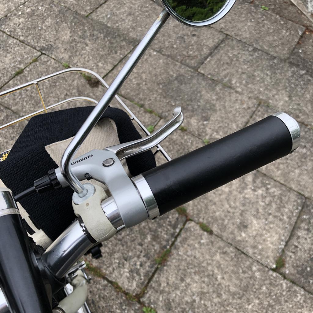 cycledesignのレザーグリップ。6年以上使っていますが、未だ実に快適な手触りとグリップ感。