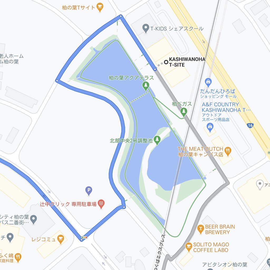 Google Maps ルート検索:自転車ルート:アクアテラス内は自転車で乗り込めないため、きちんと周囲の道路を迂回します。